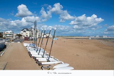 St Gilles Croix de Vie - Le club voile de la plage de Boisvinet